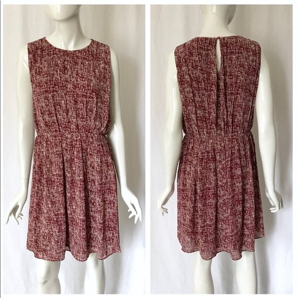 THML Dresses & Skirts - THML Berry and White Dress